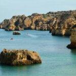 Praia da Dona Ana rocks