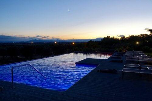 Hotel Mas Lazuli pool at night